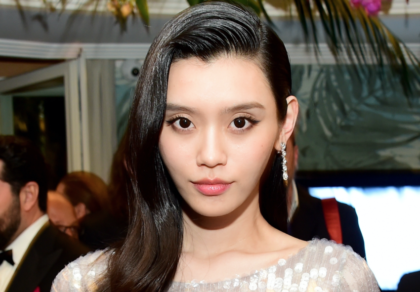 Why Hair Oil Is The Key To Having Shiny, Frizz-Free Hair