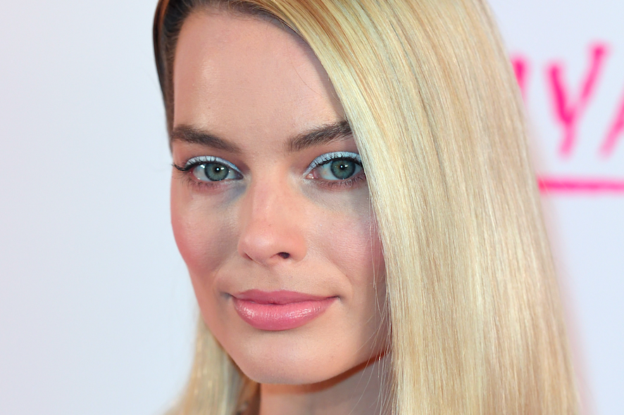 Margot robbie white eyeliner