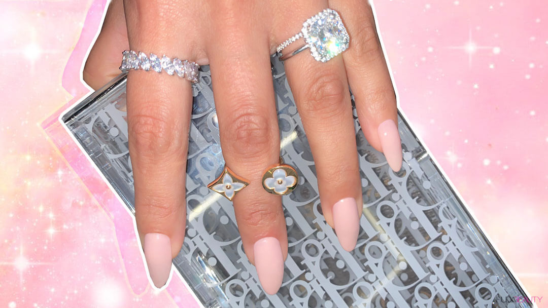 Almond-nail-shapes