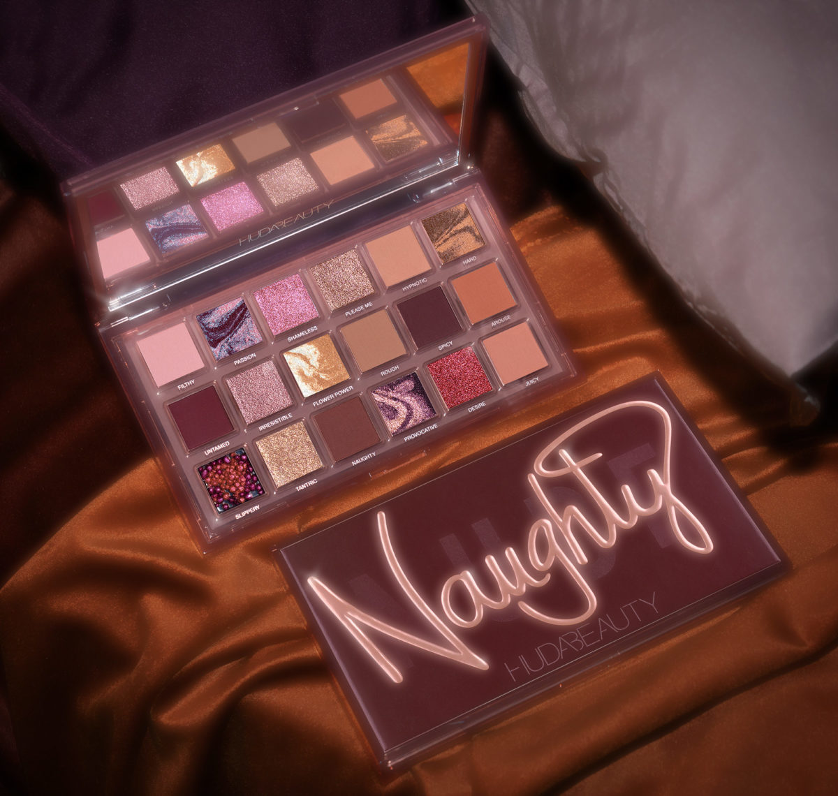 Huda Beauty Naughty Nude palette