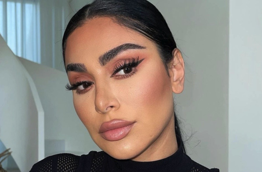 How To Achieve 2021's Hottest Brow Look: Feathered Brows